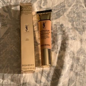 YSL Foundation Touche E'Clat All In one Glow SPF23